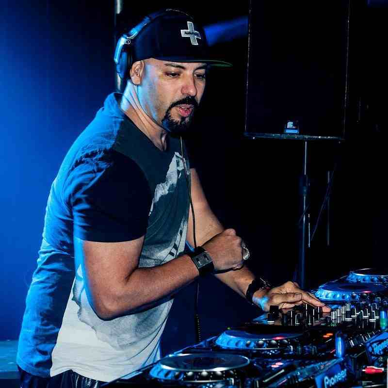 Release Yourself 743 by Roger Sanchez